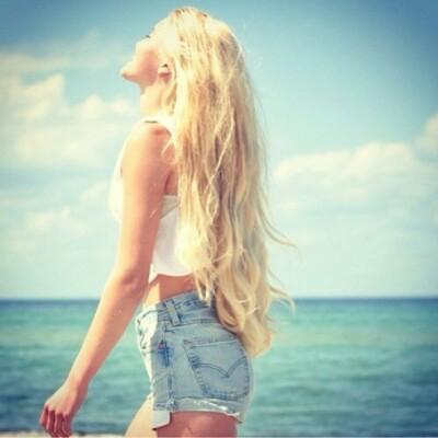 Выгорают ли волосы на солнце